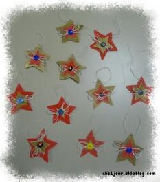 Étoiles en carton ondulé