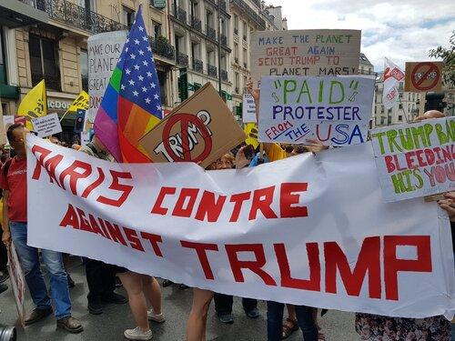 Manifestation à Paris contre la réforme du travail et la venue de Trump (Eurpe1 14/07/2017)