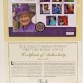 C'est un cadeau très spécial : ensemble de timbres émis pour le jubilé de la Reine: