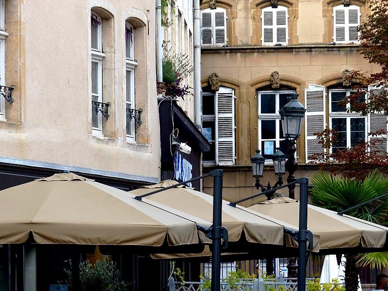 Metz / La parade des parasols...