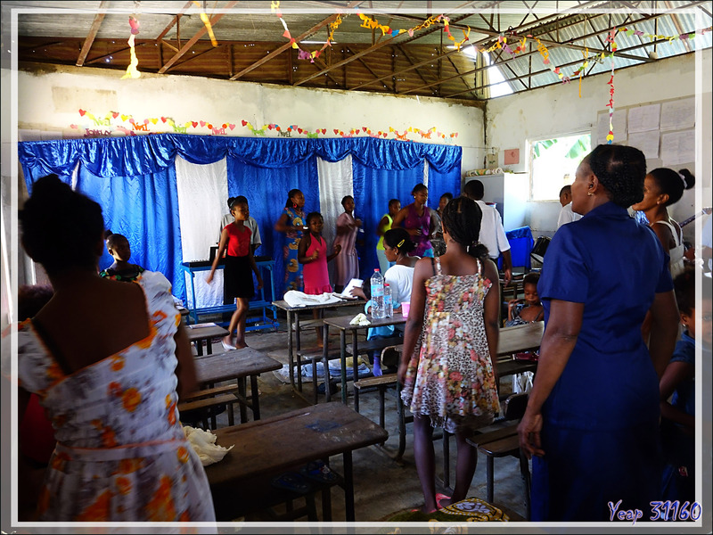 Chants un dimanche à Ampangorinana - Nosy Komba (Nosy Ambariovato) - Madagascar