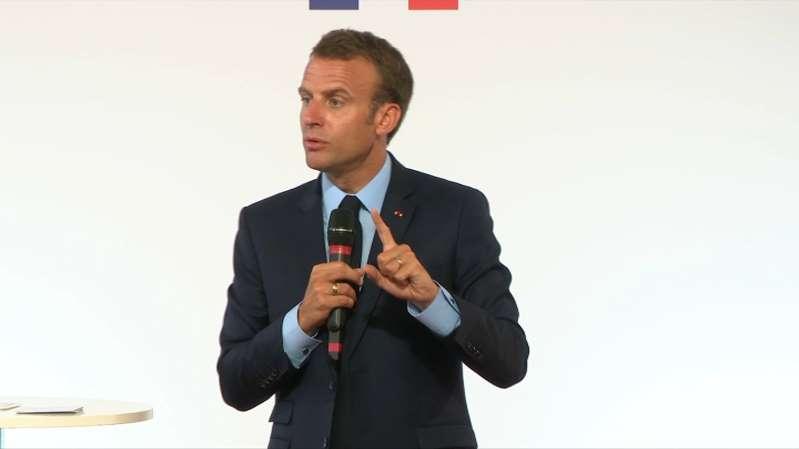 Banlieues: les principales mesures présentées par Emmanuel Macron !