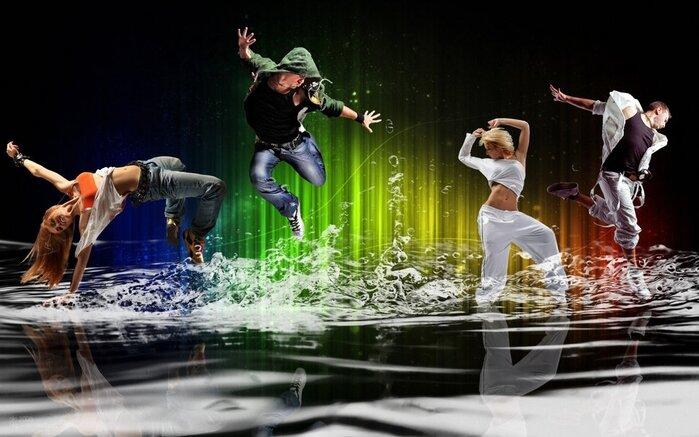 Humeur, danse, mouvement, énergie, gens, jeunesse, boy, girl, l'eau éclabousse, bulles Wallpaper