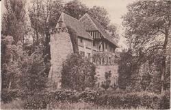 LES REMPARTS DE CREVECOEUR-EN-AUGE (Calvados)