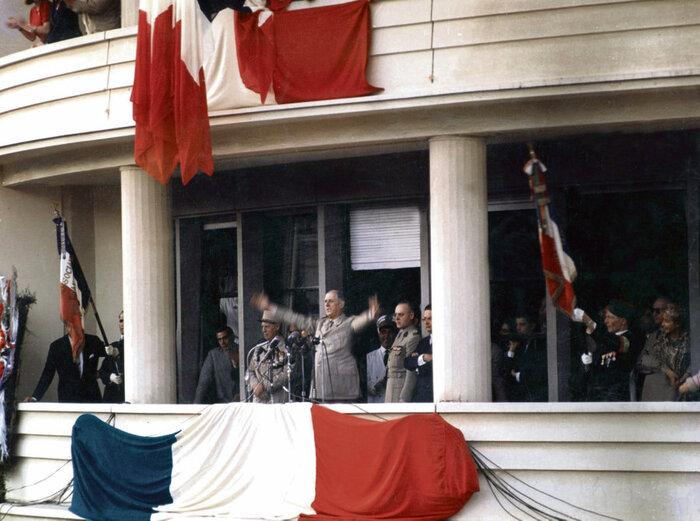 Mai-juin 1958. Une République née   dans les fourgons de l'armée