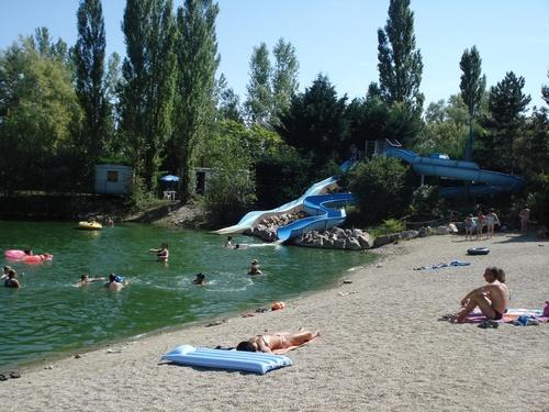 Avis campings partez en toute tranquilit for Chauffer piscine naturelle