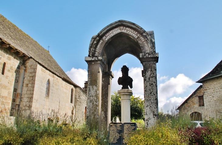 Monument-aux-Morts - Champagnac-la-Noaille