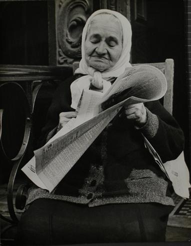 15 - Les dames et le journal
