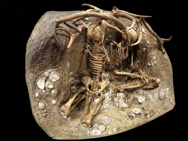 TEVIEC, site et sépultures d'il y a 7400 ans
