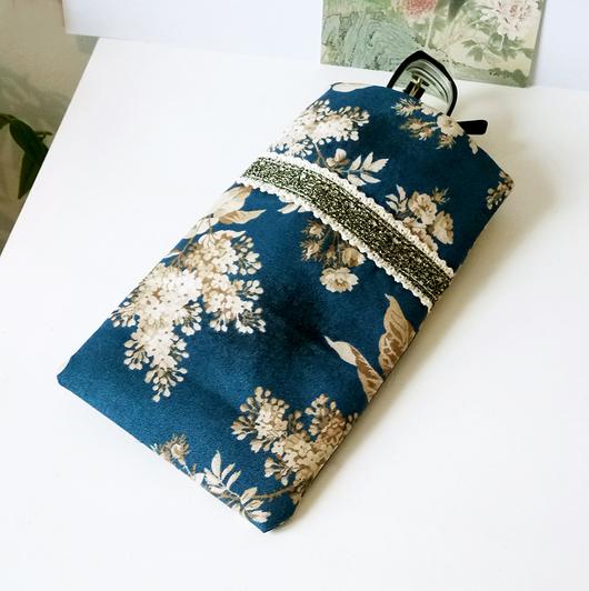 Etui à lunettes ou téléphone mobile, tissu anglais coton floral bleu / beige, molletonné 10,5 x 18,2 cm