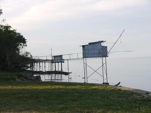 Port Beychevelle et ses carrelets