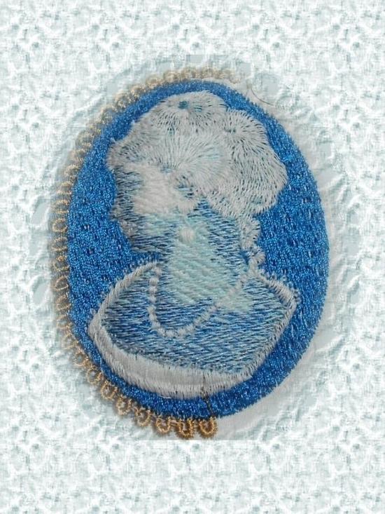 camée bleu
