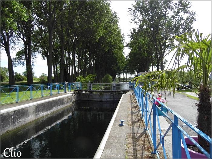 Balade près de la Maison du Canal