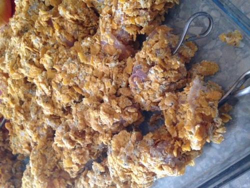 Brochette de poulet panées aux céréales.