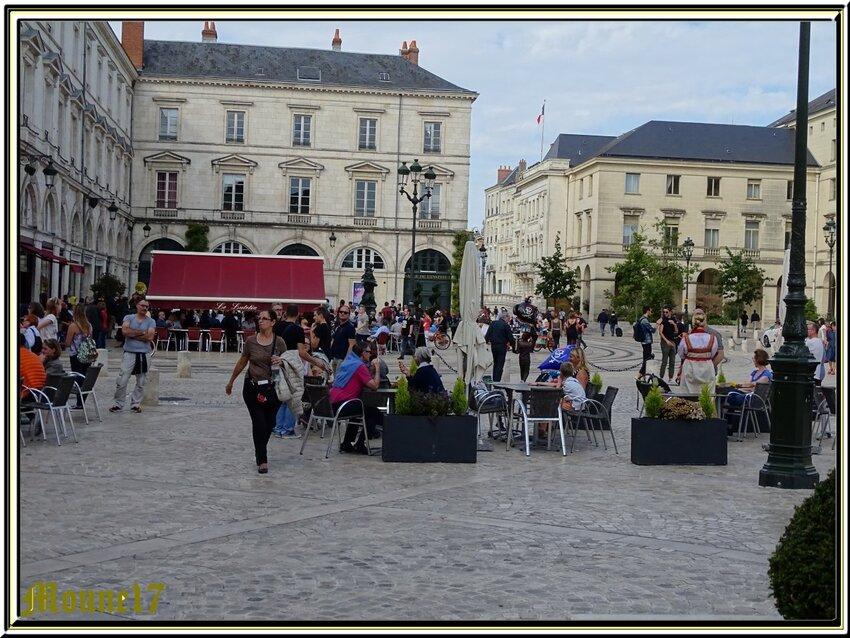 Avant la grande parade des bateaux sur la Loire.....