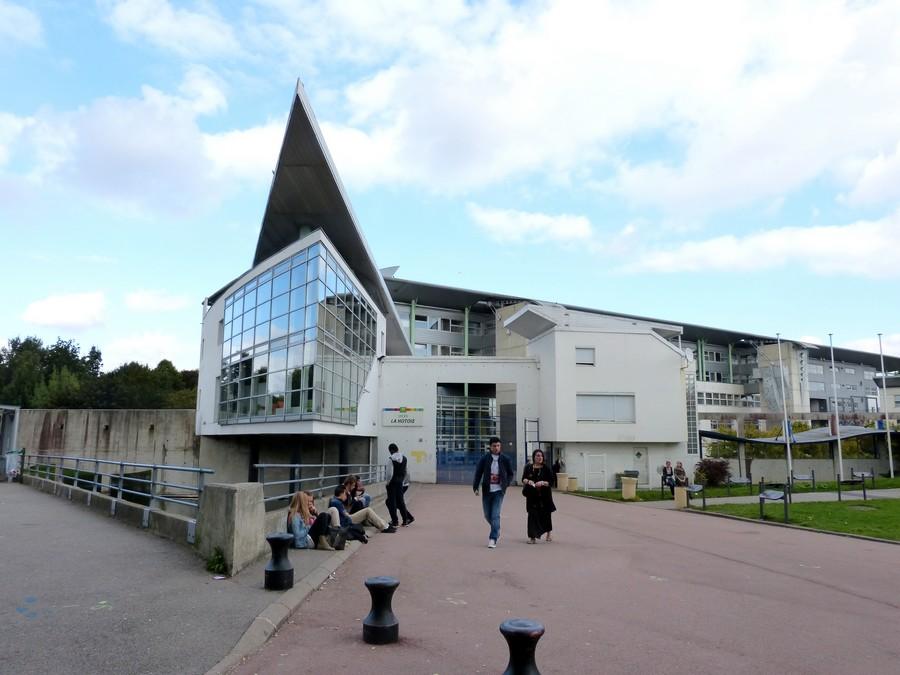 Le Lycée de la Hotoie