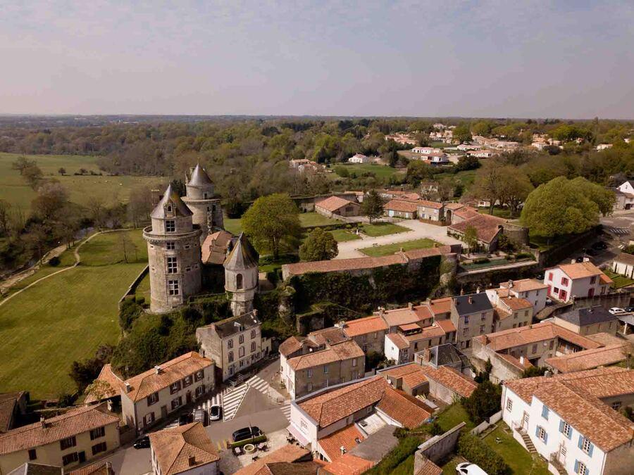 « Apremont Vendée vue du ciel »