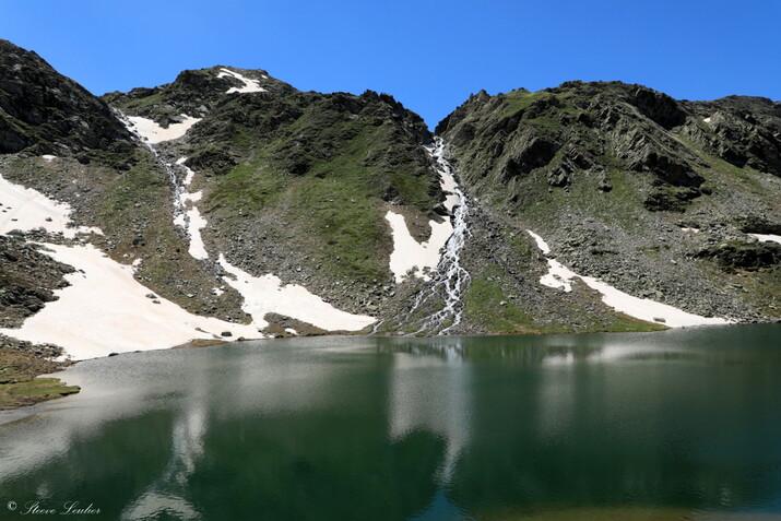 Piemont : reflet sur le Lago Bleu