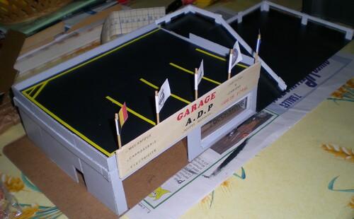 Très Un garage en carton. - Loude Mallorca à cœur ouvert UT41