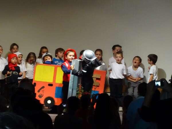 """""""Protégeons notre planète"""", un joli spectacle musical présenté par les élèves de l'école Saint-Bernard"""
