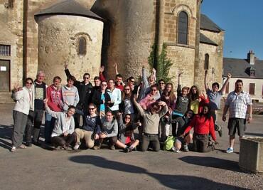 Jeunes pèlerins à Augy