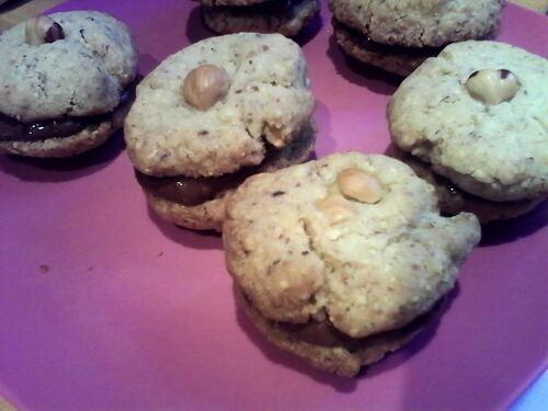 Cookies aux amandes (et Noisettes pour moi) coeur chocolat