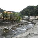 La rivière dans le village - Photo ; Fritz