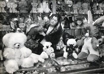 Décembre 1972 : Sheila fait ses achats de Noël !