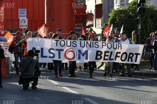 Manifestation Alstom à Saint-Ouen : environ 600 personnes devant le siège social de l'entreprise (