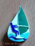 boutonnière sport d'été: planche à voile - Arts et Sculpture: sculpteur designer
