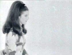 1966-67 : une petite robe psychédélique.
