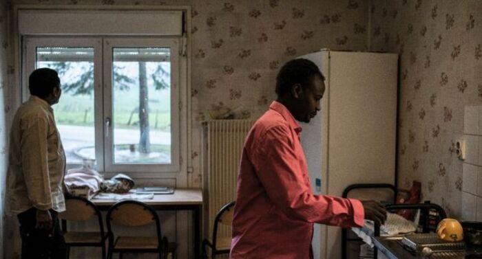 """En Bourgogne, les anciens migrants de Calais """"vivent comme nous, avec nous"""""""