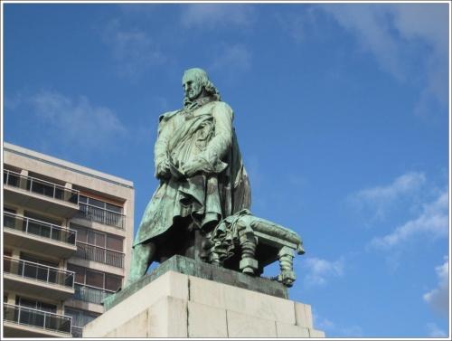 Défi n° 244 : 15 janvier : les statues