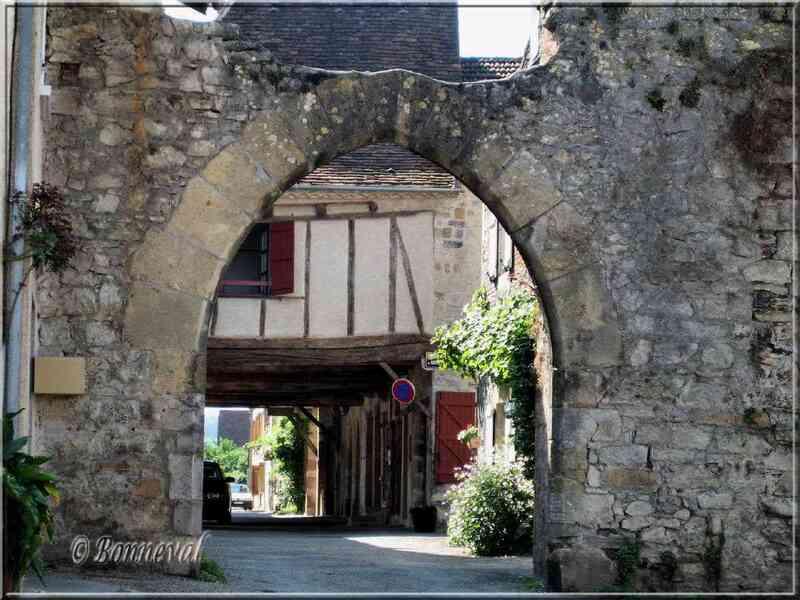 Bretenoux Lot Porte de la Guierle