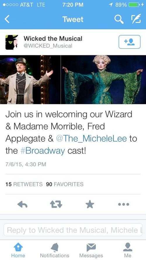 Michele Lees sur scène à Broadway.