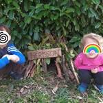Arthur et Morgane on fait une maison pour hérisson !