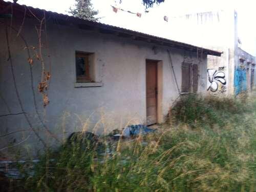 Petite maison abandonnée à Arles