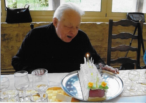 L'abbé VINCENT lors de ses 90 ans