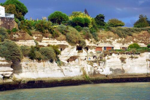 Grottes de Merscher habitées