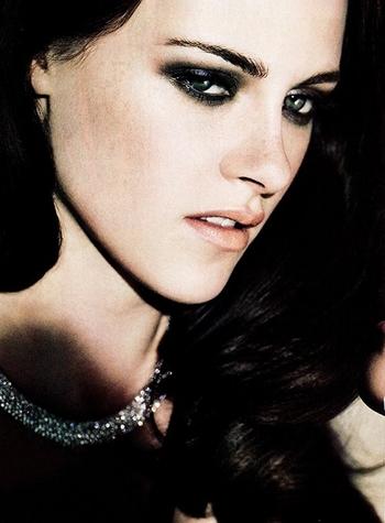 Kristen-Stewart-Elle-Magazine-June-2012-5