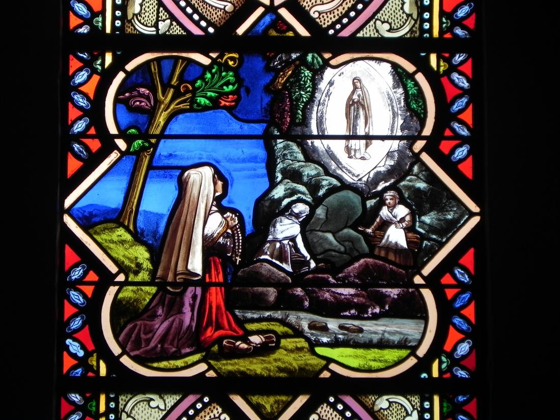 les vitraux à l'église de Bourgneuf en Retz
