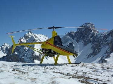 Hélicoptère classe 6 en montagne