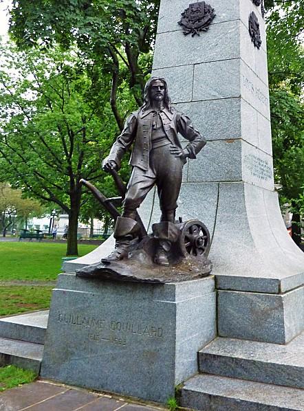 Québec Guillaume Couillard b
