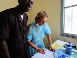 Soins dentaires au Centre Médical - Antenne chirurgicale de Sapouy (novembre 2015)