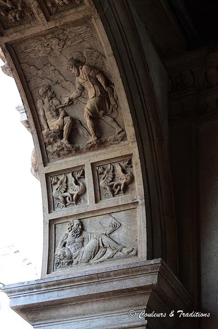 Sous les arcades de la Place St Marc