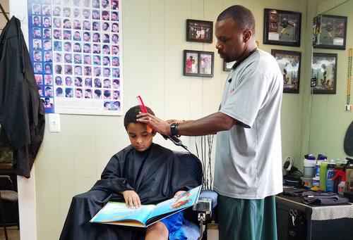 Bel exemple à suivre : 2 € de réduction chez le coiffeur s'il lit un livre