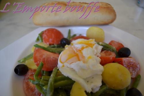 Salade niçoise et son oeuf poché