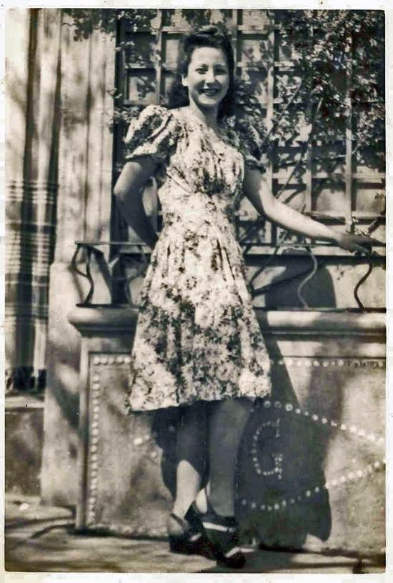 Elle,-Adrienne,-ma-mère