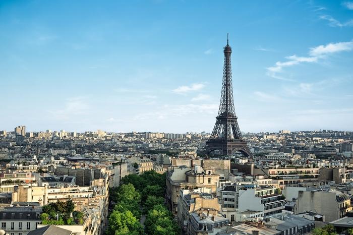 Dans le domaine de la mémoire, de la guerre d'Algérie et ses victimes, nous devons beaucoup à Paris et à son ancien maire Bertrand Delanë
