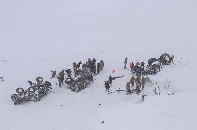 Turquie : une double avalanche fait au moins 38 morts dans les montagnes de Bahçesaray